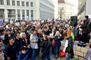 20151114_Protest vor dem Innenministerium(c)privat